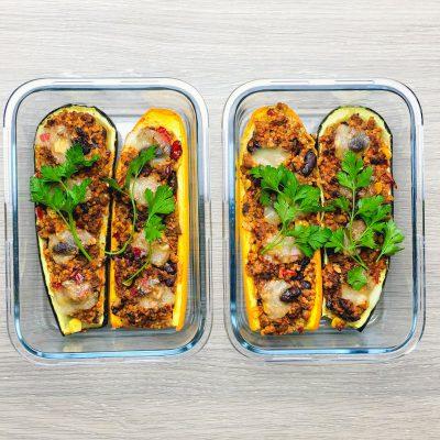 Cukinie nadziewane chili con carne